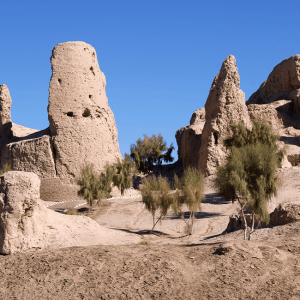 Izmukshir Fortress - under the sands of ancient ruins